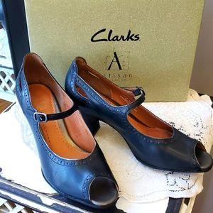 Clarks Artisan Kendra Navy Heels
